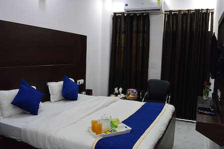 Deluxe Room with Private Balcony Room in Hotel