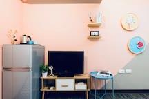 平面電視與冰箱 Flat Tv with cable, fridge