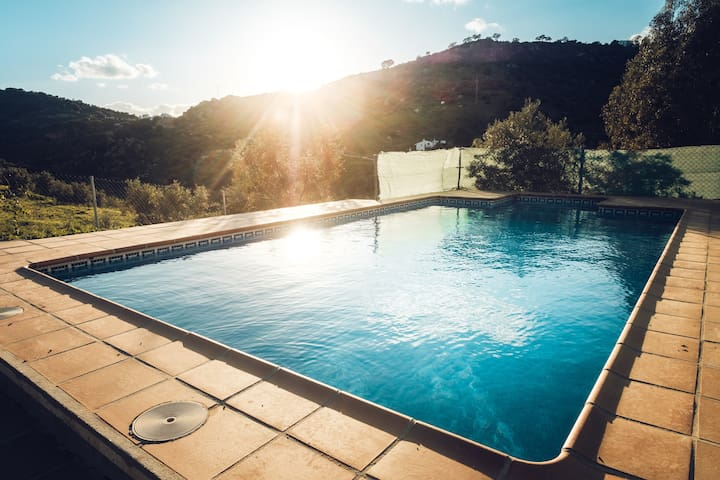 Private house with pool, in hidden valley - Álora - Hus