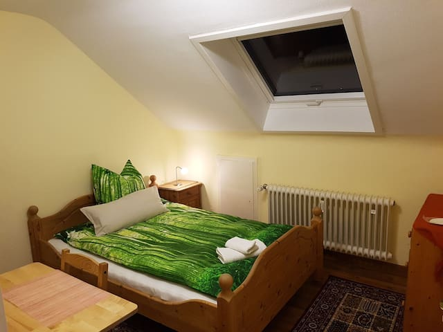Cozy room 10 min to S-bahn Sindelfingen