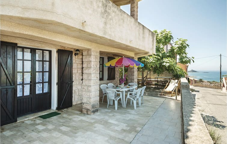Holiday apartment with 3 bedrooms on 110 m² IGO013