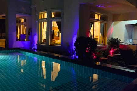 4 BED PRIVATE LUXURY POOL VILLA CENTRAL WESTGATE - Nonthaburi