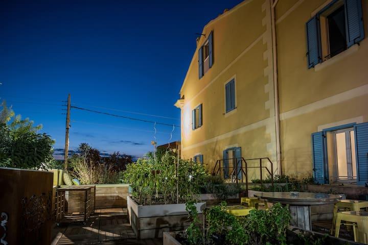 Bastia:Un séjour convivial avec service hôtelier !