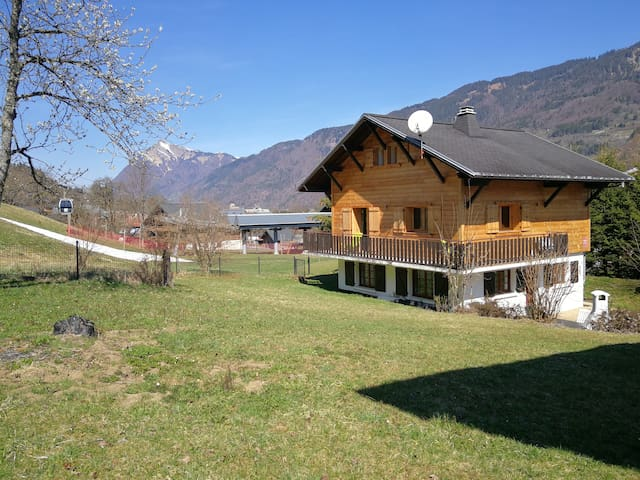 Chalet on the slopes in morillon (6 guests)