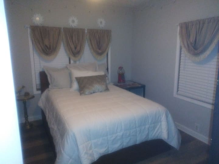 Charming Cottage near downtown palmetto