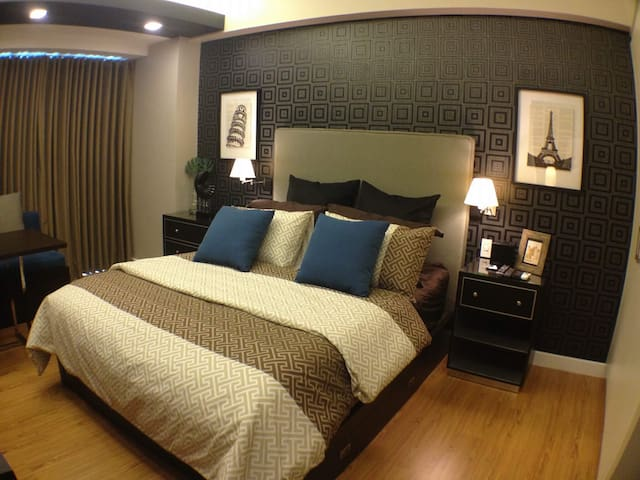 Luxurious Condotel Resort Living - Pasig City
