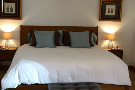 Private Luxury Suite & Breakfast in Sancerre