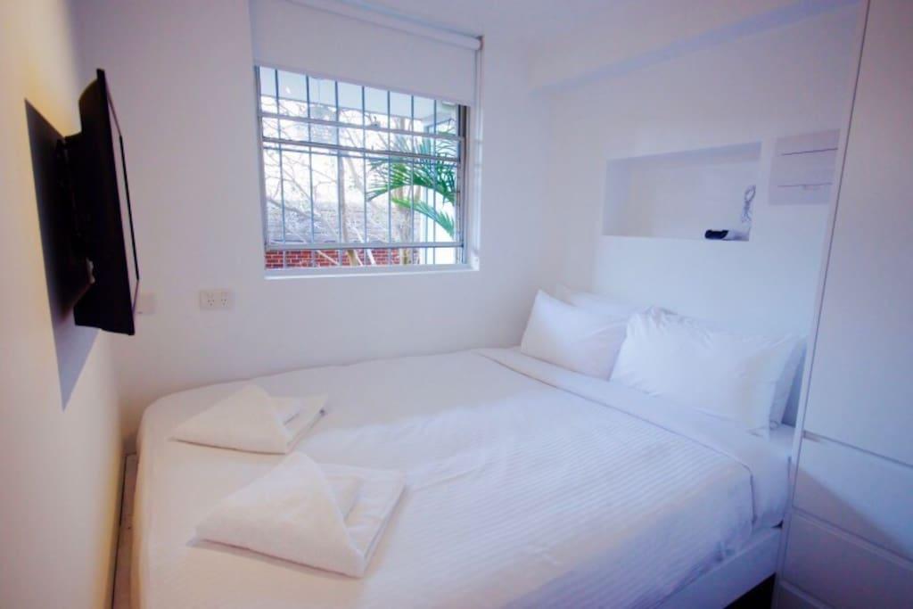 Peaceful Cosy Bedroom