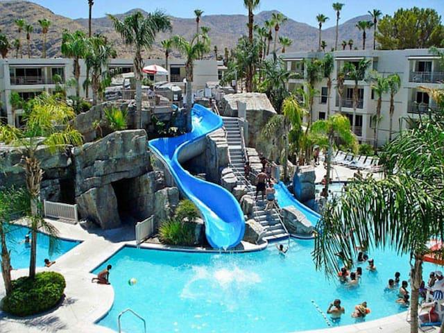 Lavish Palm Canyon Resort & Spa Luxury 1 BR Villa