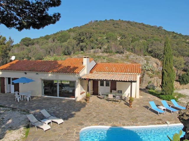Spacious holiday home with pool situated in an exceptional panoramic position