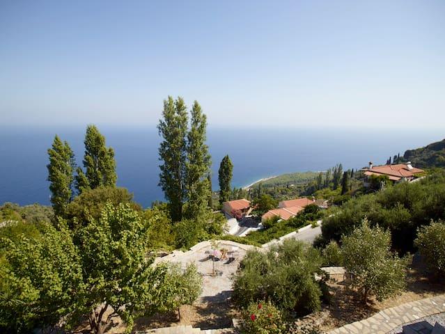 Ambelos - Der Balkon von Samos - Saphiro