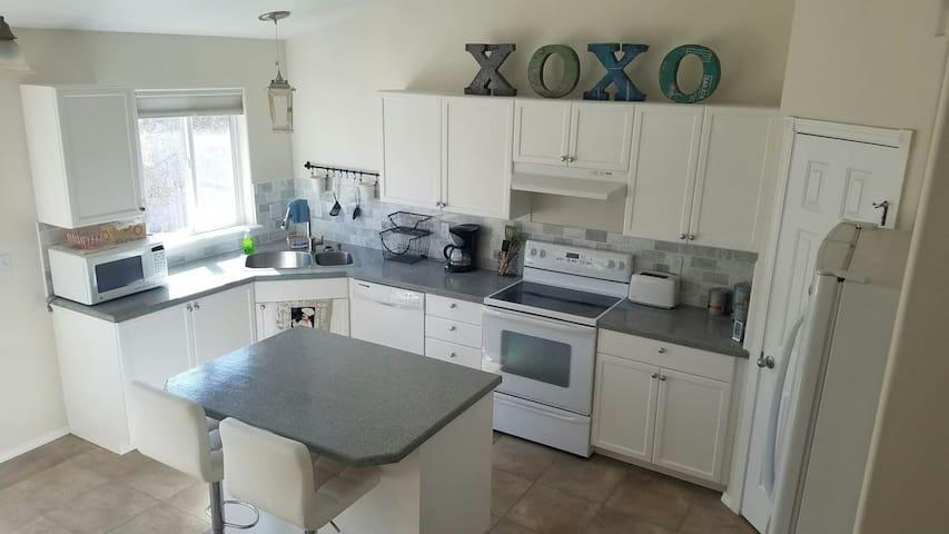3 Bdrm Kuna Suburban Home Near Meridian/Boise 6+