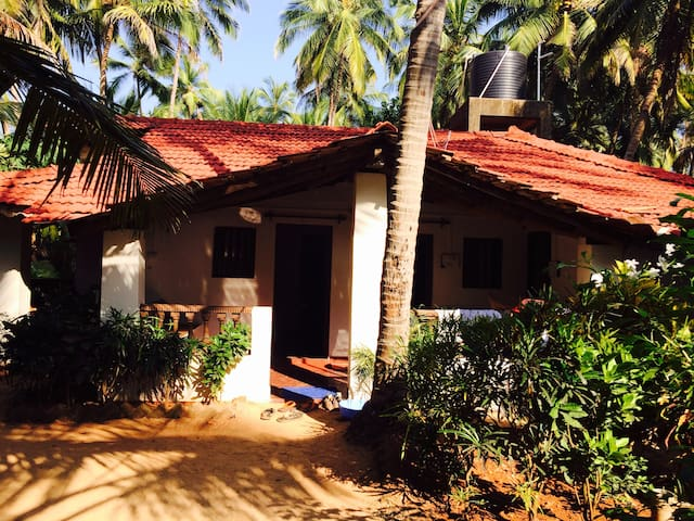 Budget Room in beach hut2 at Agonda - Agonda