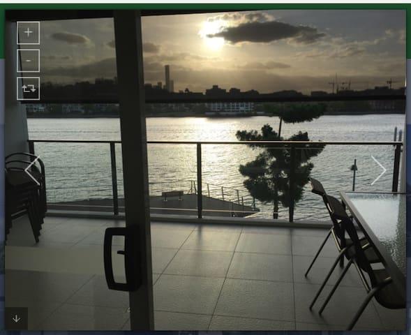 Riverfront 3brm Bulimba Apartment - Bulimba