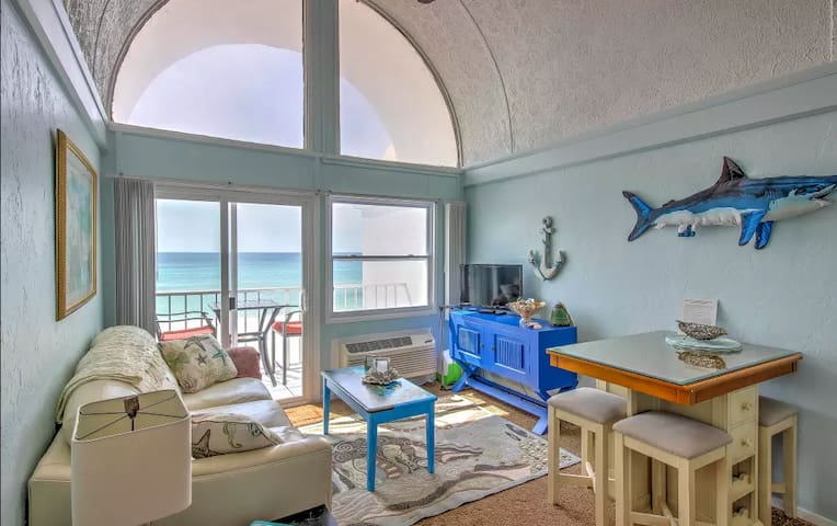 Beachfront Condo Pier Park/CRUIZIN' - 2br Kitchen