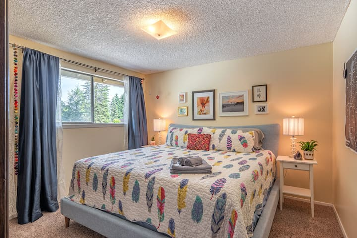 Private room - Queen bed - Vancouver Delight