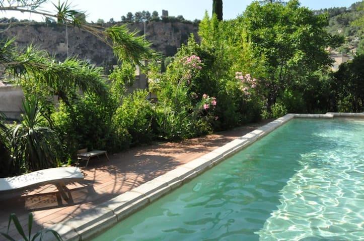 Maison du XVIII avec jardin, piscine dans Cotignac