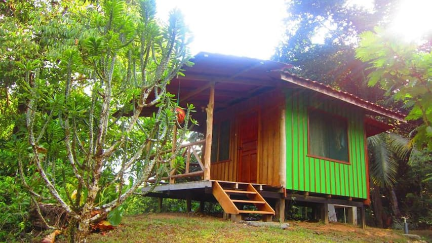 Private Rainforest Cabana (Sleeps 2 w meals incl) - Puntarenas - Kulübe
