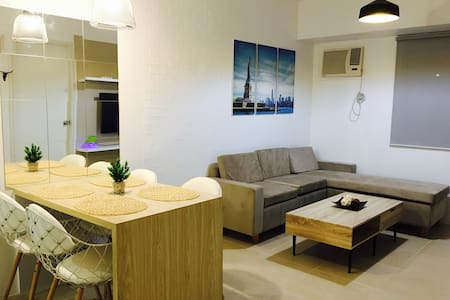 1 BR Unit at the   ❤️   of Pasay, Manila & Makati