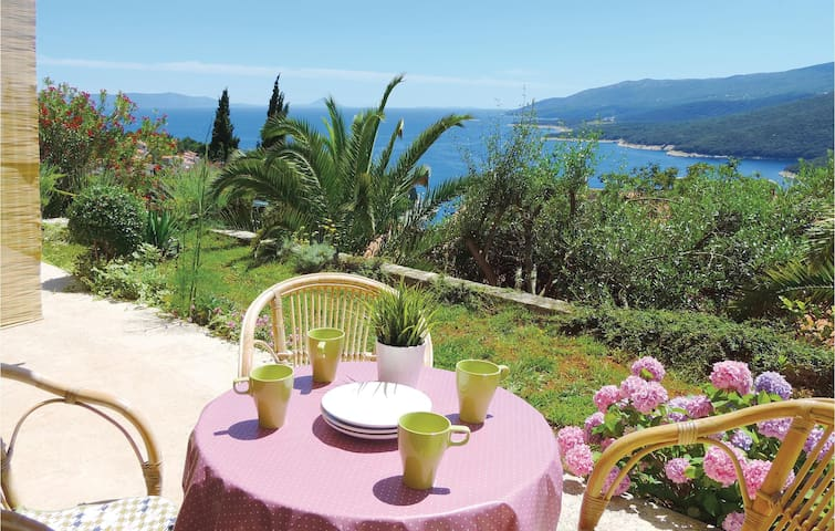 Holiday apartment with 2 bedrooms on 42m² in Rabac