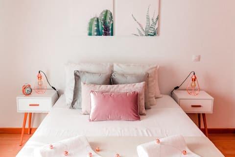 Cameră romantică şi de lux Ribeirinha (plajă 1,8 km)