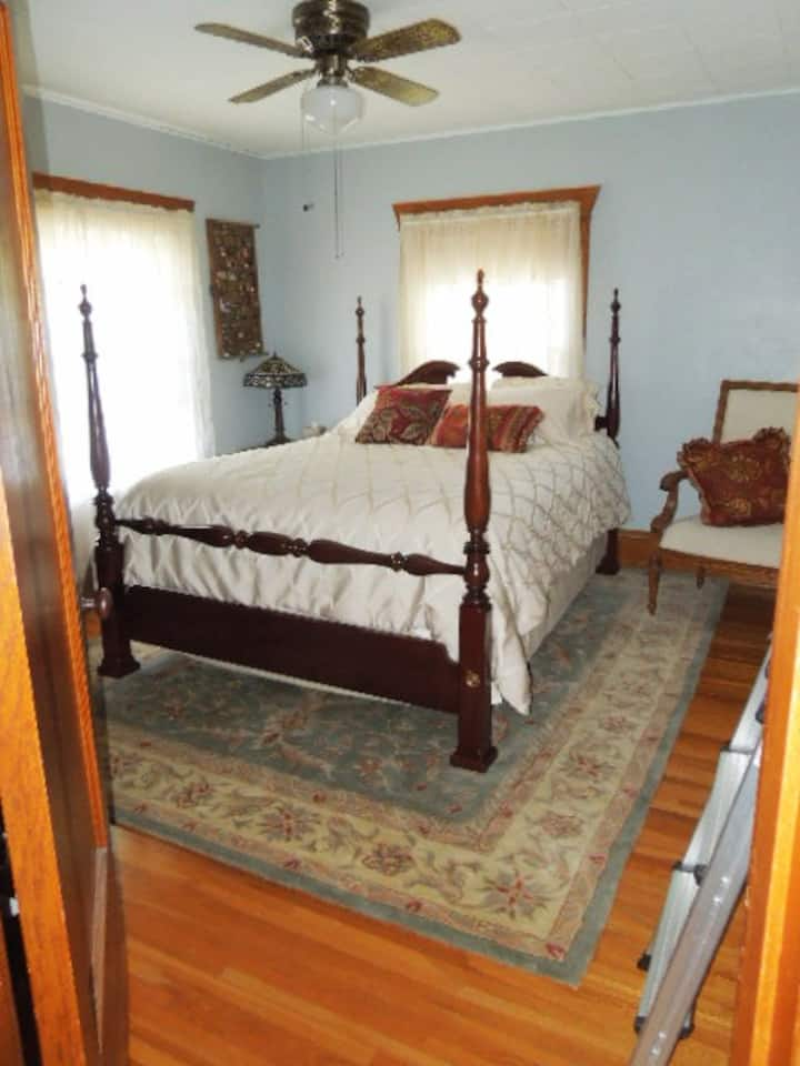Private Room in Historical Home near Mayo  Clinic