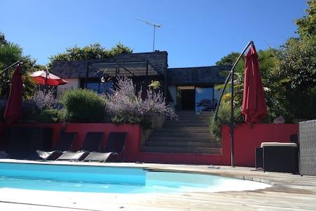 Maison avec piscine chauffée - La Gacilly