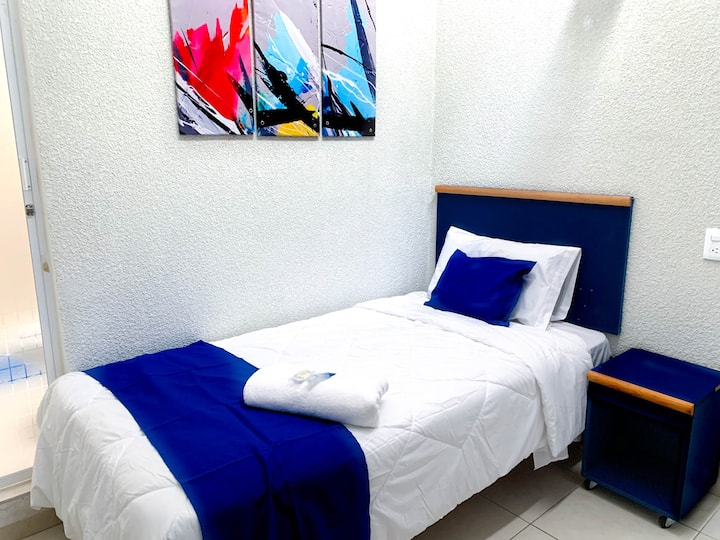 Comfortable Single Room Steps from Expo GDL #11