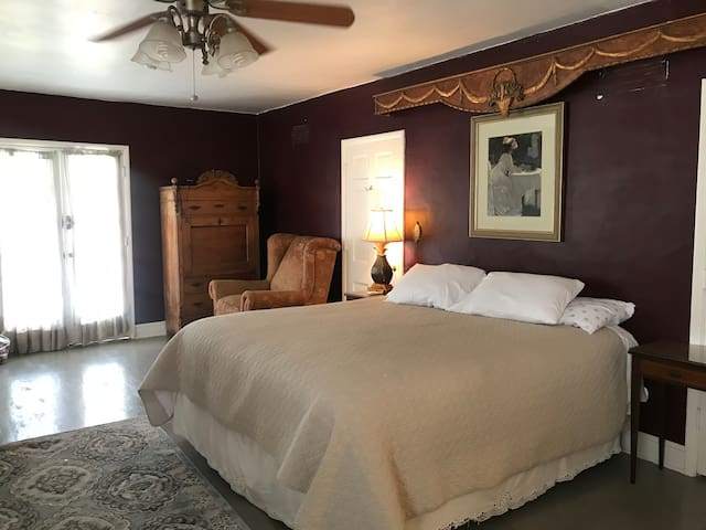 Casita Arriba Downtown Historic District KING BED