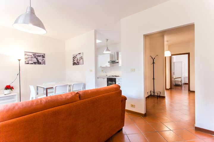 Friends&Family Apt | Modern and Perfectly Located