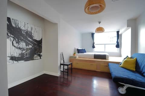 Your cozy private Studio at downtown central