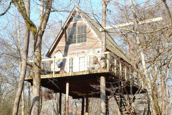 Treehouse Paradise on Shoal Creek