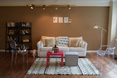 CLE Central, Charming 1 BR Suite - Shaker Heights