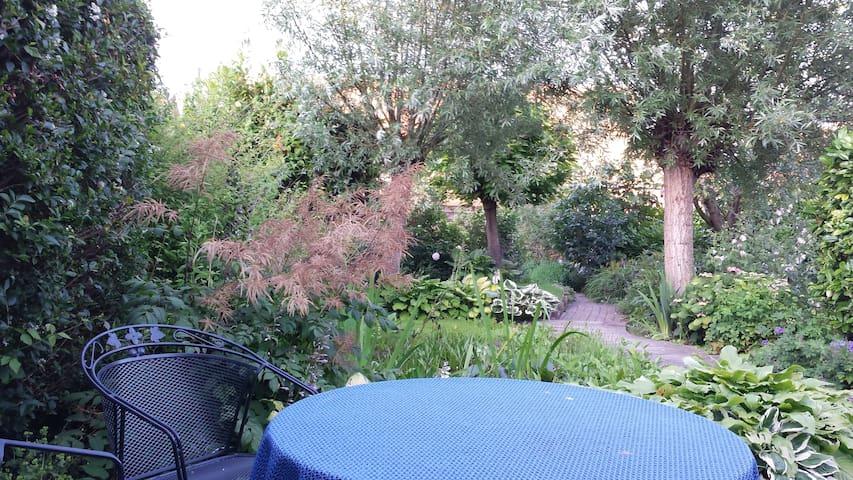 Heerlijke tuinkamer voor 2 personen - Colijnsplaat