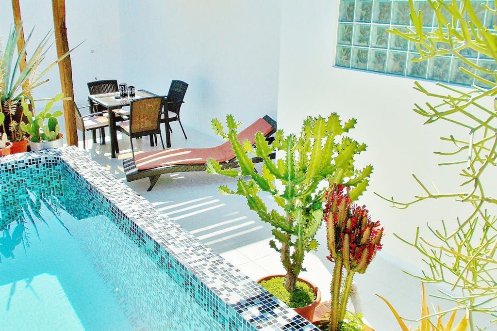 CASA NAAJ APARTMENTS: Terrace with relaxing pool