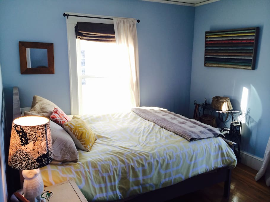 Second Bedroom with Brand New Queen Sized Tempur-Pedic mattress.