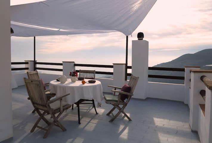 Andalusien bejrglandsbyen Gualchos - Gualchos - Дом