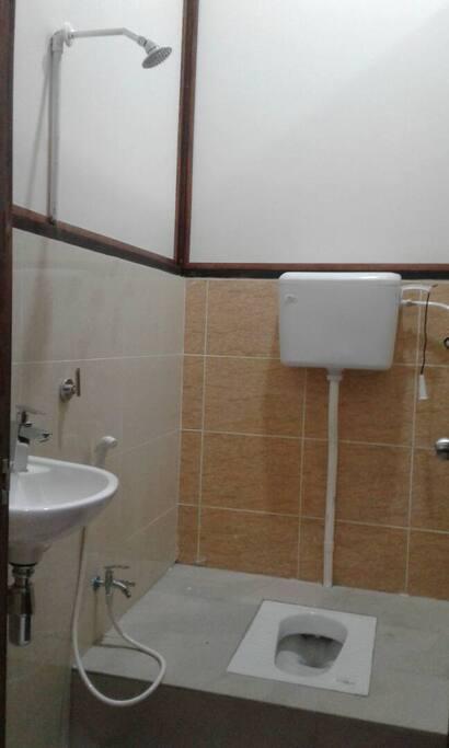 Toilet (squat)