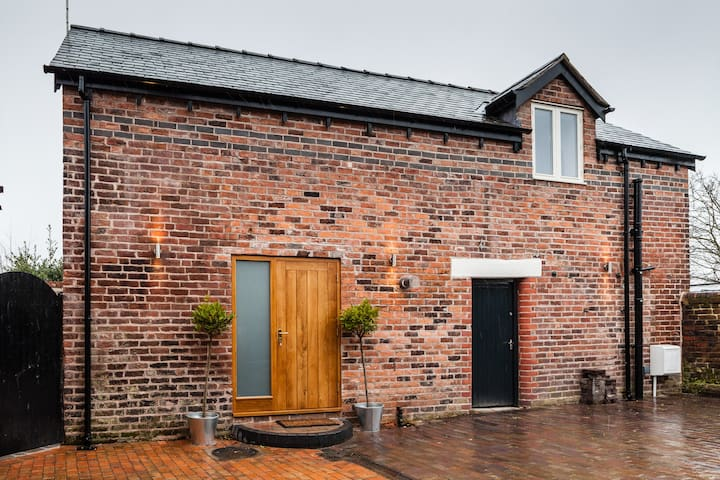 Converted coach house in Wrexham