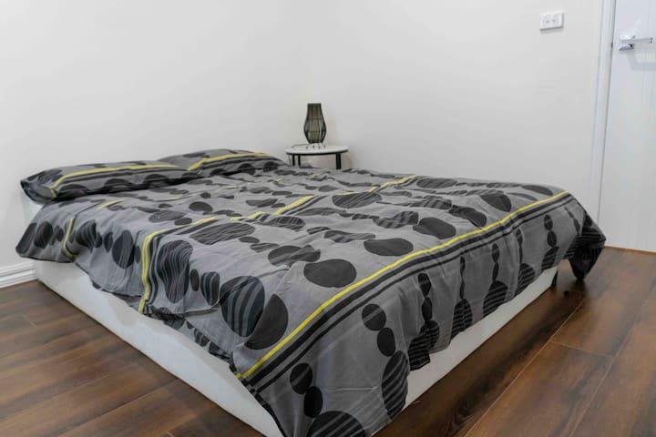 Bedroom No 3 : Queen Bed