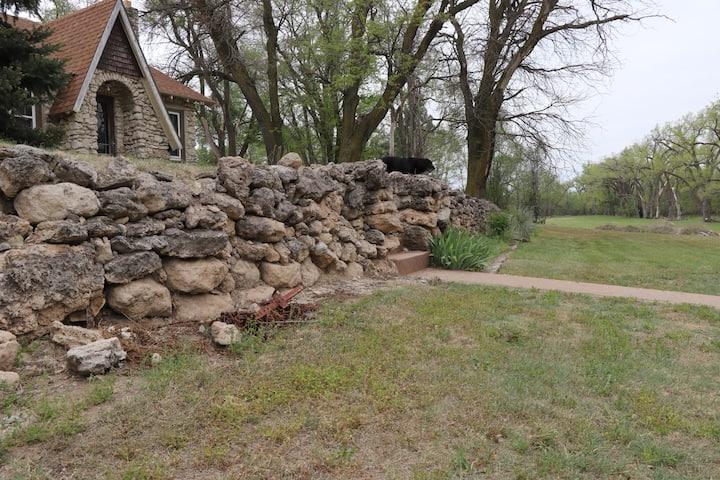 Cozy Kansas Cottage