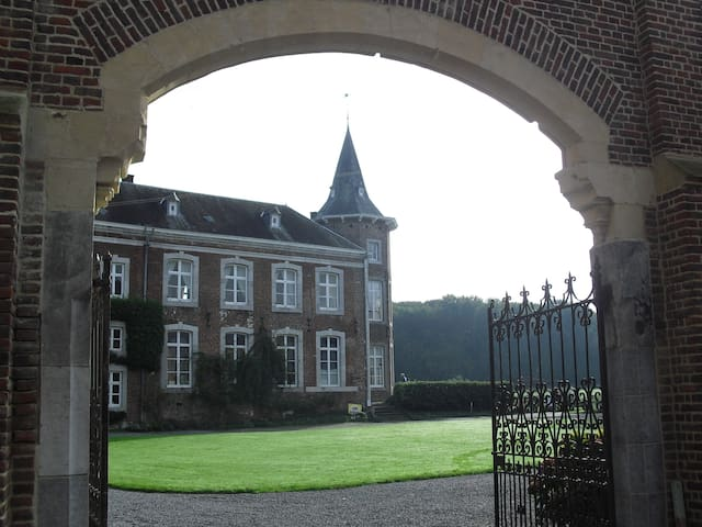 Vakantiewoning op een kasteeldomein - Sint-Truiden - Apartment