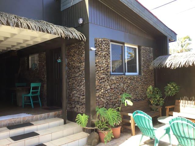 CHEZ HIVA : ORCHIDEE 1-Town & Beach(2P+C) SERNATUR