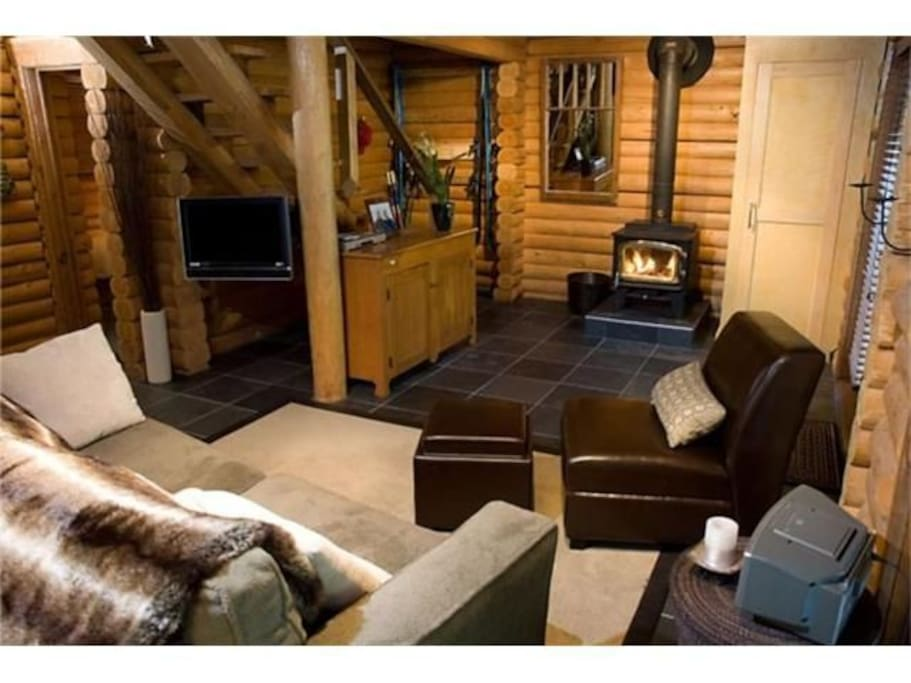 Whistler cay sleeps 6a 2c hot tub cabins for rent in for Cabine in whistler
