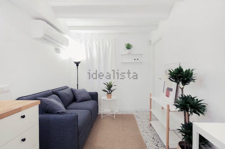 Cozy room in a new 2 bedroom apartment