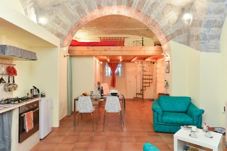 Historic Cozy Apt near  Termini - Rome
