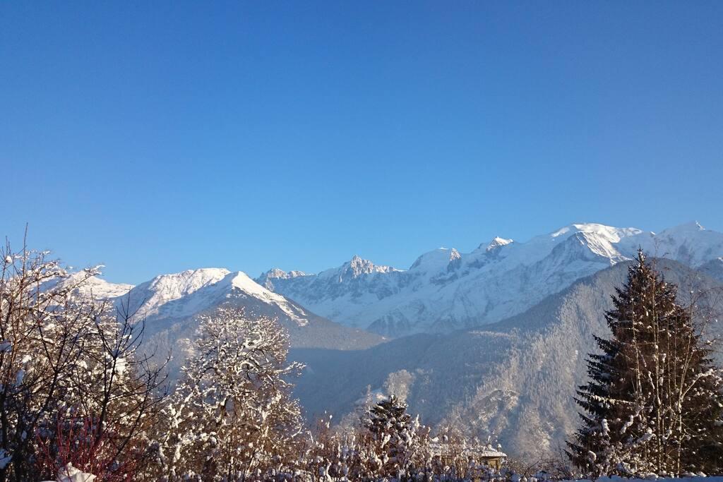 Un matin d'hiver face au Mont-Blanc...