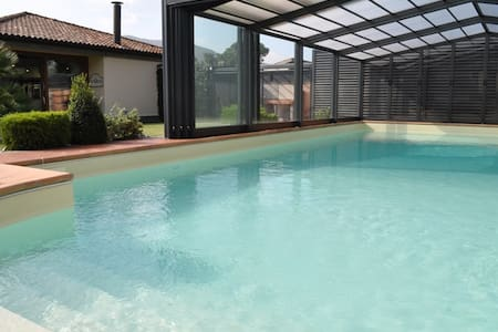 Villa with garden & swimming pool - Villa
