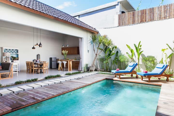 Chic Stylish 2BR Villa near Center Seminyak