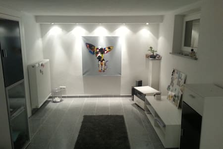 """Newly renovated room"" - München - House"